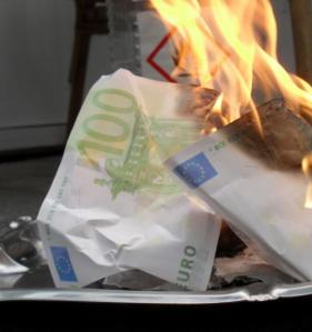 Spielgeld brennt